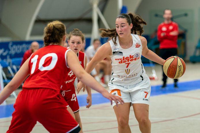 Anne van Vlijmen van Lekdetec.nl/Batouwe in actie tegen Antwerpen.