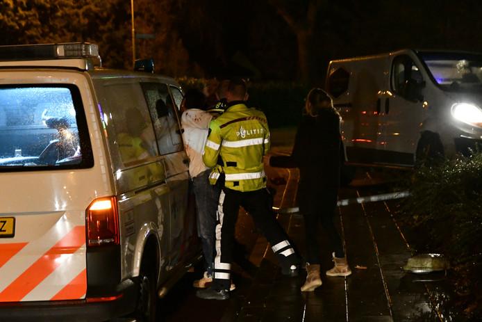 In Putten is een 34-jarige man aangehouden voor rijden onder invloed. Hij raakte in een flauwe bocht van de weg en botste daarna tegen een lantaarnpaal .