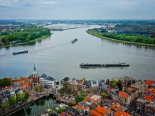 Varen deze zware schepen straks zonder kapitein over de drukste vaarweg van Europa?
