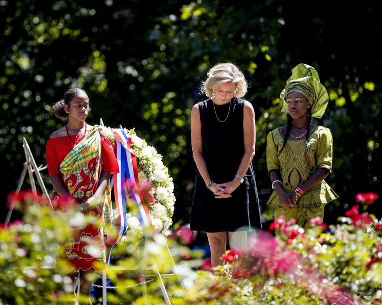 Kajsa Ollongren, minister van binnenlandse zaken en koninkrijksrelaties, in juli 2018 bij het Nationaal Monument Slavernijverleden tijdens de nationale herdenking van de afschaffing van de slavernij in het Amsterdamse Oosterpark.  Beeld ANP