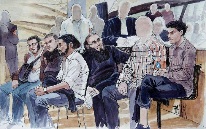 Rechtbanktekening van beklaagden op het proces tegen Shariah4Belgium in september 2014.