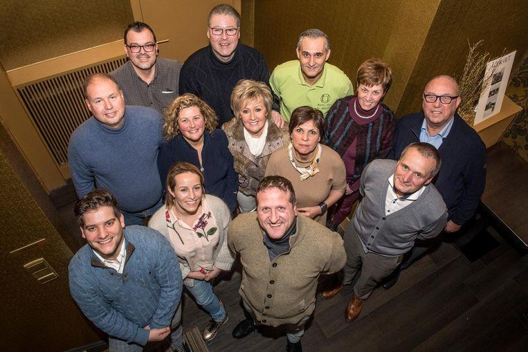 De restaurateurs verenigd in de Gastronomie in de Albrecht Rodenbachstreek zijn klaar voor de toekomst. Vooraan in het midden de nieuwe voorzitter Wim Degryse.
