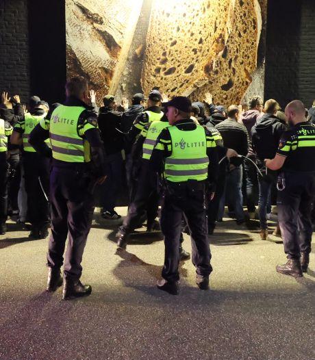 38 PEC Zwolle-supporters opgepakt in Eindhoven