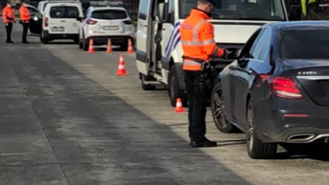 Valse nummerplaten, geen verzekering, snelheidsovertredingen, 1 geseinde persoon en 2 overtredingen op de nachtklok: grote politieactie in Meetjesland heeft resultaat