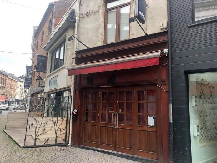 Het bewuste café in de Spiegelstraat.