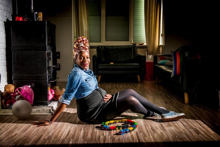 'Ik ga op zoek naar een zwarte dokter voor mijn kinderen. Ze moeten zien dat dat normaal is.' Beeld Stefaan Temmerman