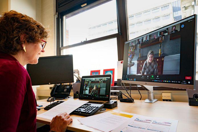Koningin Máxima op digitaal werkbezoek bij Universiteit Utrecht.