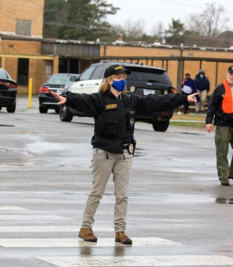 15-jarige jongen neergeschoten door medescholier op middelbare school in VS