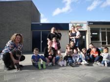 Flessenpost uit Helmond bereikt Engelse kust: 'strandjutter' voelt zich als een kind zo blij