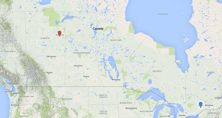 Een kaart van Canada. De branden begonnen bij Fort McMurray (rode punaise)in het midden van het land. De hoofdstad Ottawa (blauwe punaise) ligt in het oosten van Canada. Beeld Google Maps