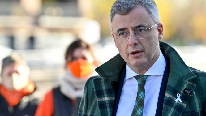 """Joachim Coens (CD&V) wil geen """"politiek spel"""" over avondklok:  """"Ongelooflijk dat men gaat spelen alsof het Vlaanderen tegen België is"""""""