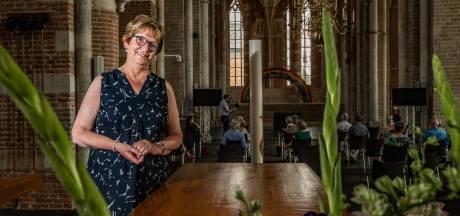 Ingrid de Zwart vertrekt bij Lebuïnuskerk: 'Als dominee ben je altijd beschikbaar, als één van de weinige beroepen in de samenleving'