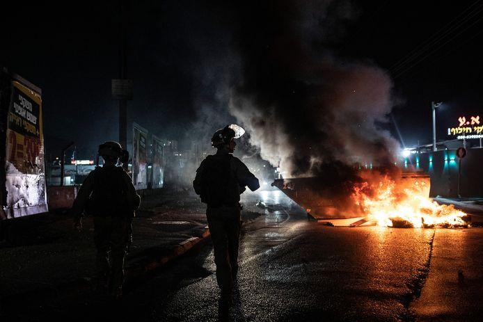 In de Israëlische stad Lod werd woensdag de noodtoestand uitgeroepen en is een avondklok ingevoerd.