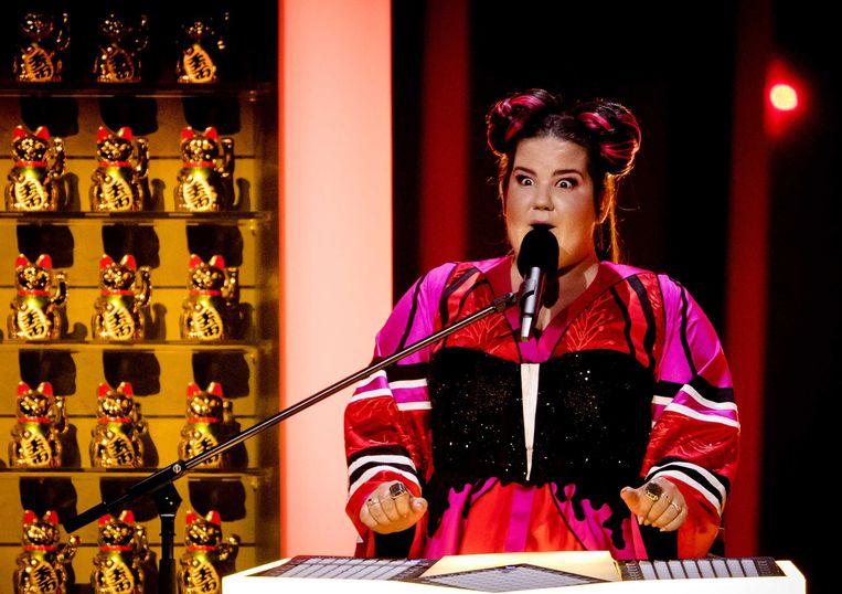 Netta Barzilai uit Israel op het podium tijdens de dress rehearsal in aanloop naar het eerste optreden voor de halve finale van het Eurovisiesongfestival.  Beeld ANP