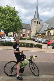 Veertienjarige Noé Chaillet beklimt Alpe d'HuZes twee keer
