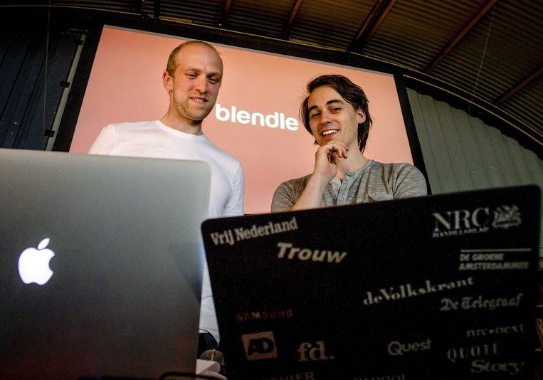 Marten Blankesteijn (links) en Alexander Klöpping bij de lancering van Blendle. Beeld EPA