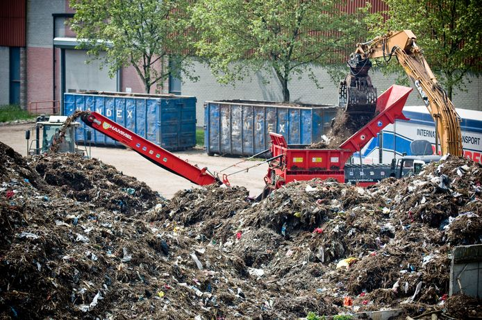 Alle afvaltarieven bij Twence gaan omhoog, maar die voor brandbaar grof restafval en afgekeurd verpakkingsmateriaal iets minder dan gepland.