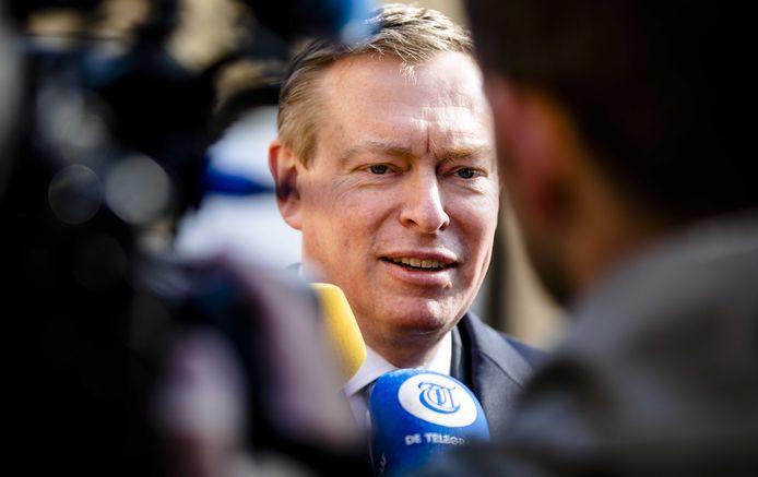 Minister Bruno Bruins voor Medische Zorg (VVD) op het Binnenhof.