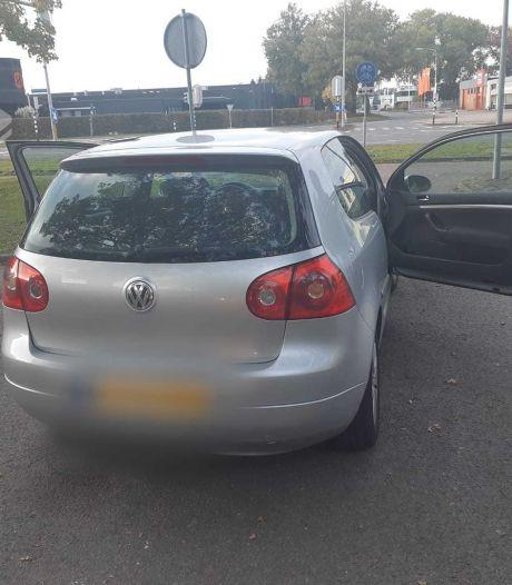 Achtervolging door Almelo levert automobilist vracht aan bekeuringen op