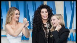 IN BEELD. Sterren zakken af naar de première van 'Mamma Mia! 2'