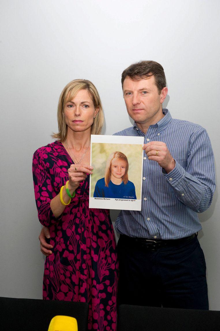 De ouders van Maddie in 2012. Victimologe Carine Hutsebaut: 'Ouders beschuldigen is een brevet van totale onkunde.' Beeld BELGAIMAGE