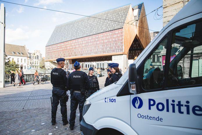 De politie krijgt versterking vanuit Oostende.