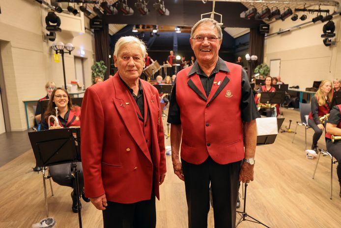 Frits Verhees en Jan Bos zijn al zeventig jaar lid van fanfare Irene in Westerhoven