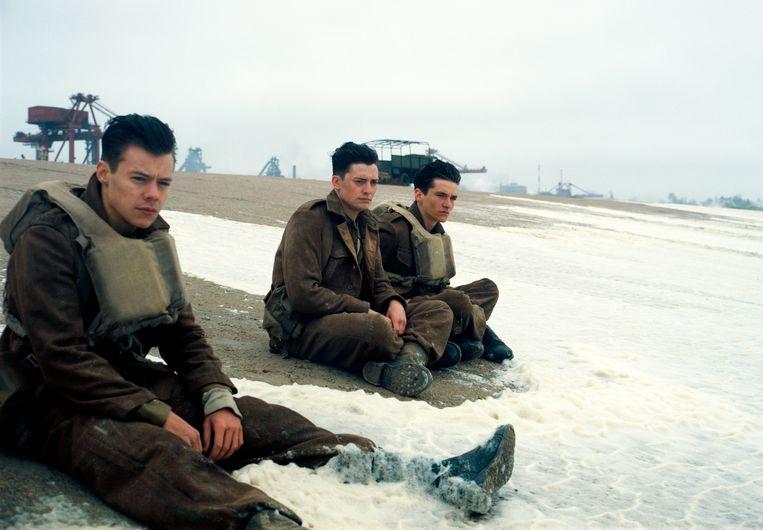 Harry Styles (uiterst links) in de Amerikaans-Brits-Frans-Nederlandse oorlogsfilm 'Dunkirk'.