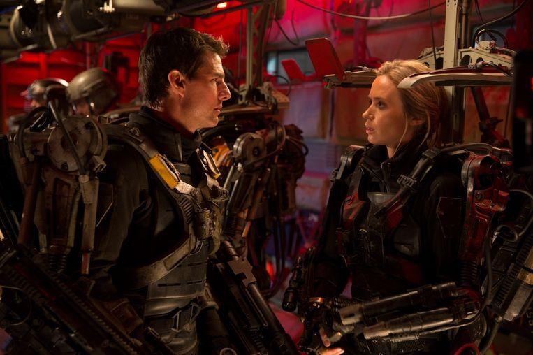 Tom Cruise en Emily Blunt in Edge of Tomorrow. Beeld