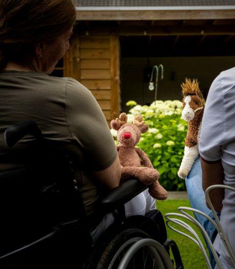 Michel en Suzan zien met lede ogen aan hoe hun dochter (21) afglijdt: 'Niemand helpt ons!'