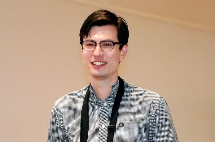 Alek Sigley bij zijn aankomst op de luchthaven in Tokio, Japan.