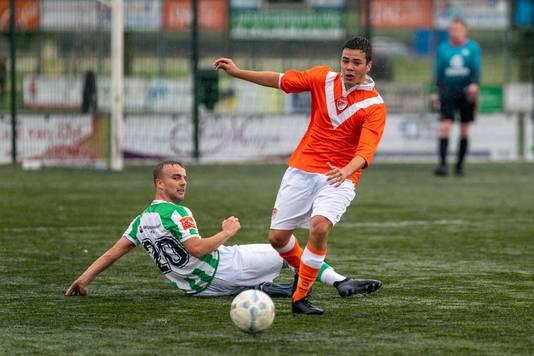 Beeld uit de oefenwedstrijd tussen Spero en SV Angeren.