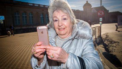 """Senioren massaal aan de smartphone: """"Mijnen TomTom ligt in de kast, ik gebruik alleen nog Waze"""""""