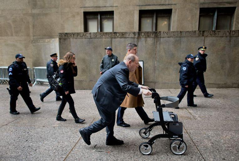 Harvey Weinstein bij de rechtbank in Manhattan.