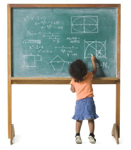 Britse kleuter (4) verbaast professoren met IQ van 159
