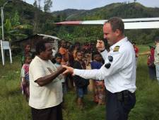 Bij het 'missiehuis' van Pieter en Anja in Teuge worden zendelingen voorbereid op hun werk in de jungle