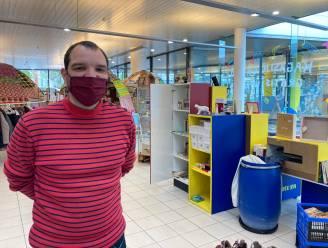 """Alles gratis: geen utopie, maar werkelijkheid in Anderlechtse winkel. """"Van geven kan je ook rijker worden"""""""