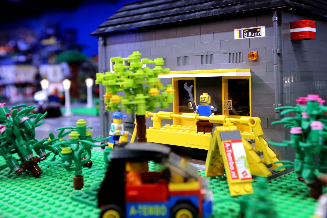 Ook het gebouw van Mini-Billund, het regionale LEGO-paradijs, is nagebouwd in hun eigen panorama.