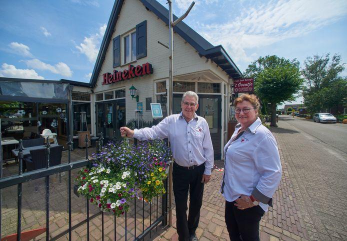 Cafe 't Oventje stopt na  in totaal 140 jaar. Het pand wordt verbouwd tot levensloopbestendige woningen.