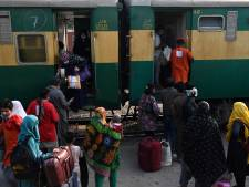 Zeker 40 doden bij botsing tussen twee sneltreinen in Pakistan