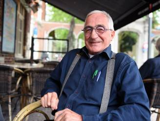 """Cafébaas Frans Goris (75) trekt na 40 jaar de deur van café Universum dicht: """"Ik ben al twee keer dood geweest. Tijd om het rustiger aan te doen"""""""