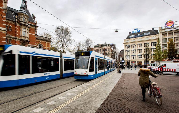 In de regio Amsterdam komen er honderdduizenden woningen bij. Die moeten bereikbaar zijn met openbaar vervoer, wat veel geld kost. Beeld ANP