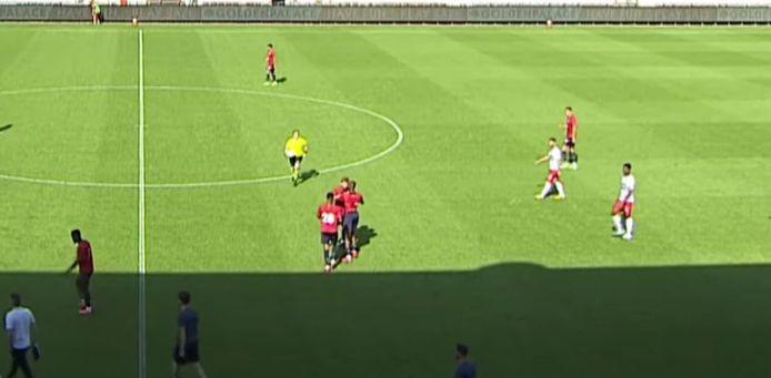 De vechtpartij tussen de twee spelers van Lille.