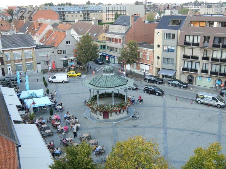 Vanuit de kerktoren heb je een prachtig zicht op de Markt en het centrum van Aalter.