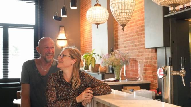 """'Commisseir' Paul en Mieke verbouwen hun woning tot Huiskamerkaffee Polemiek: """"Droomde al jaren van een eigen zaak"""""""