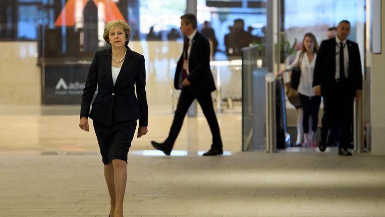 Theresa May arriveert in Birmingham voor het congres van de Conservatieve Partij. Beeld getty