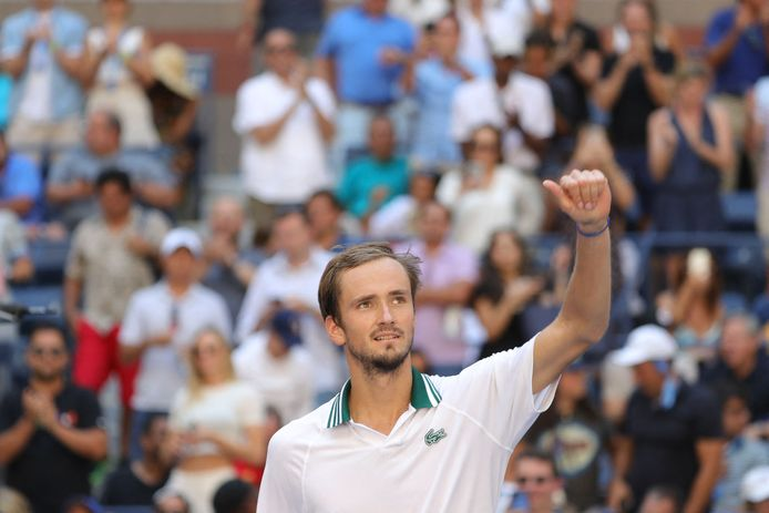 Medvedev s'est qualifié pour la troisième année de rang pour le dernier carré à l'US Open.