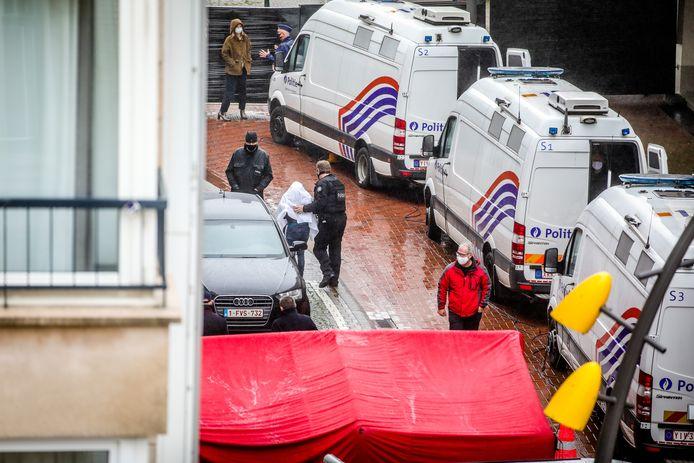 De beklaagde zou de dealer geweest zijn van de hoofdverdachte van de kappersmoord in De Panne.