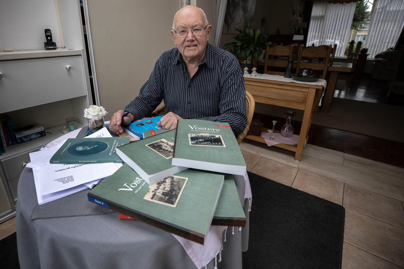 Marcel Vosters uit Bladel werkt al meer dan dertig jaar aan zijn familiestamboom.