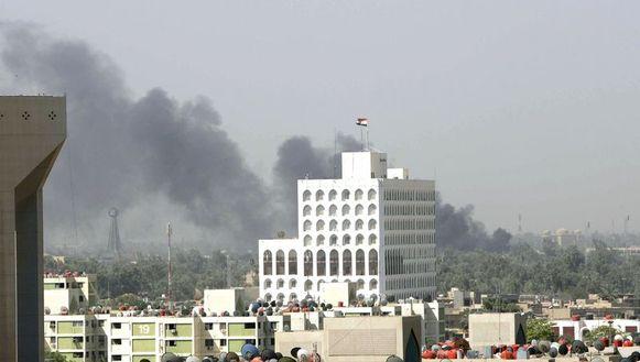 De rookpluim in de verte werd veroorzaakt door de zelfmoordaanslag.